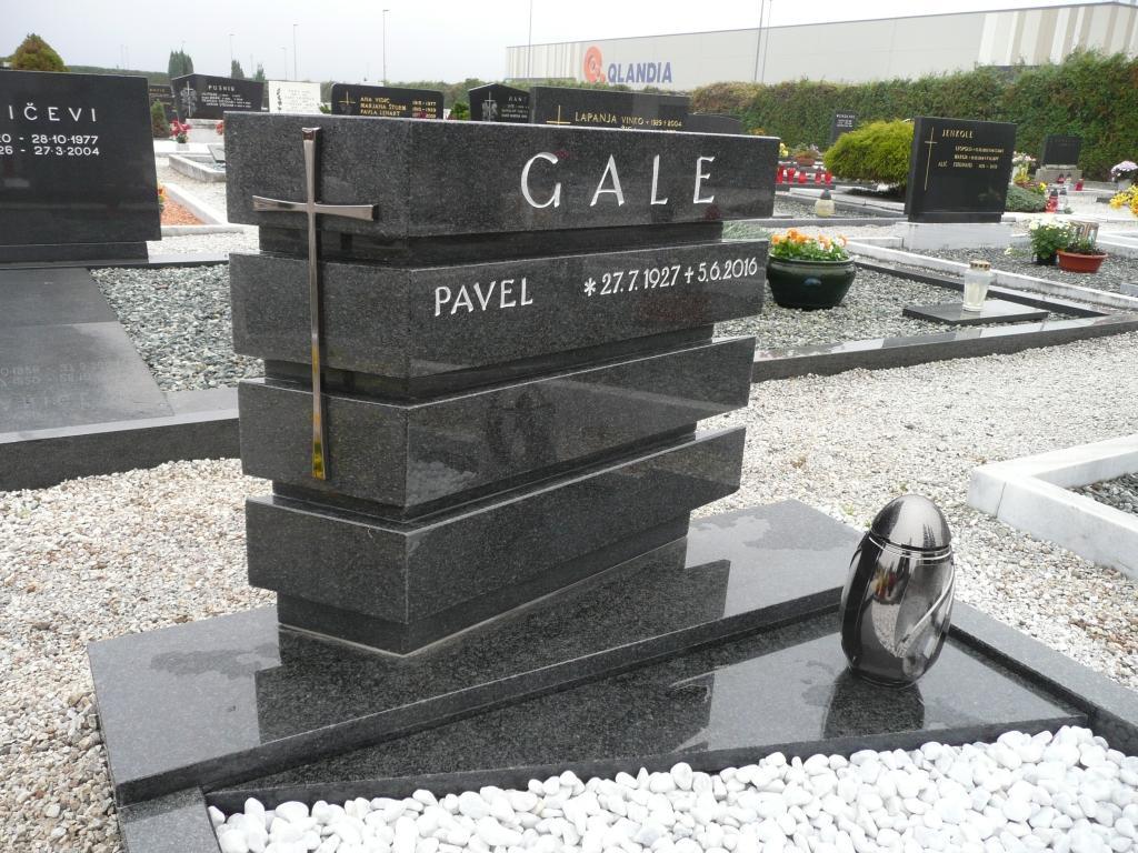 Klesanje črk v nagrobne spomenike, nagrobni spomeniki Gorenjska - klesanje.si gallery photo no.2