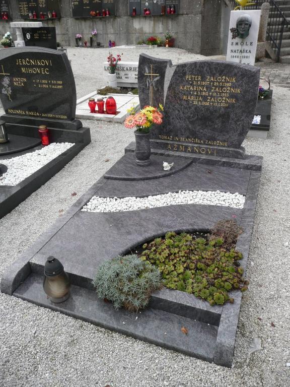 Klesanje črk v nagrobne spomenike, nagrobni spomeniki Gorenjska - klesanje.si gallery photo no.8