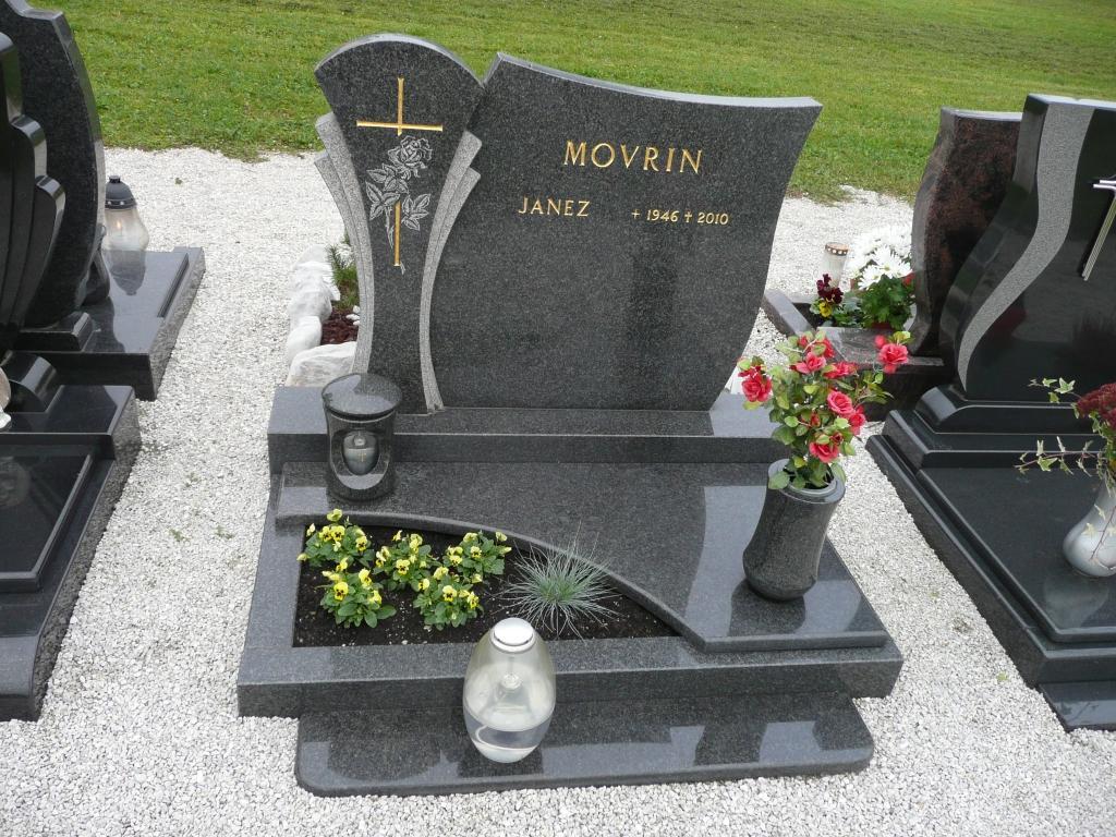 Klesanje črk v nagrobne spomenike, nagrobni spomeniki Gorenjska - klesanje.si gallery photo no.9