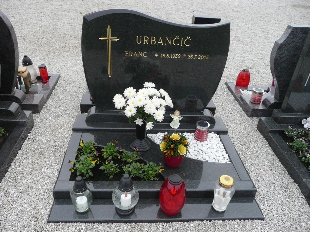 Klesanje črk v nagrobne spomenike, nagrobni spomeniki Gorenjska - klesanje.si gallery photo no.10
