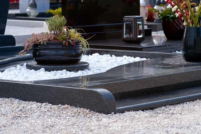 Klesanje črk v nagrobne spomenike, nagrobni spomeniki Gorenjska - klesanje.si gallery photo no.15