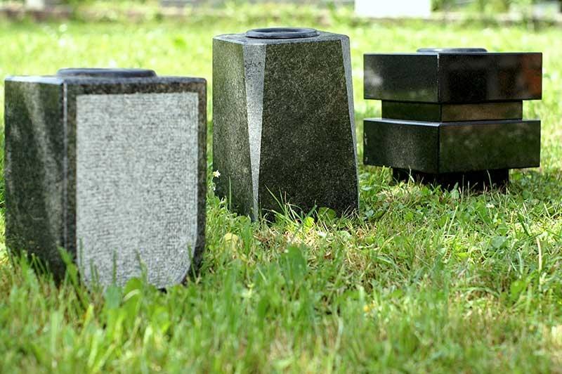 Klesanje črk v nagrobne spomenike, nagrobni spomeniki Gorenjska - klesanje.si gallery photo no.16