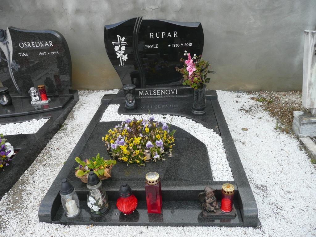 Klesanje črk v nagrobne spomenike, nagrobni spomeniki Gorenjska - klesanje.si gallery photo no.22