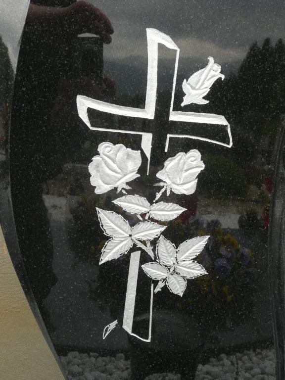 Klesanje črk v nagrobne spomenike, nagrobni spomeniki Gorenjska - klesanje.si gallery photo no.24