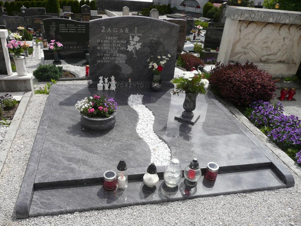 Klesanje črk v nagrobne spomenike, nagrobni spomeniki Gorenjska - klesanje.si gallery photo no.28
