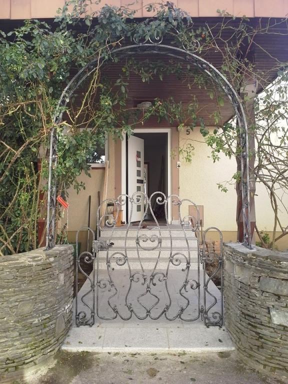 Kovane ograje, kovani nadstreški, kovani izdelki Bruno Kalčič s.p. gallery photo no.27
