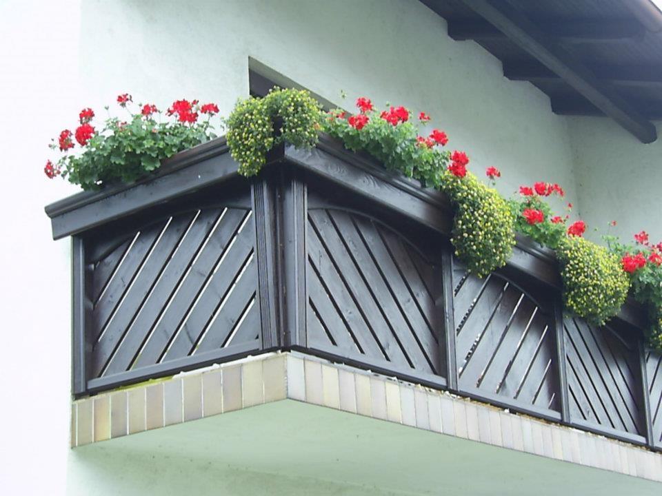 Lesene balkonske ograje, leseni nadstreški, otroška igrala, vrtne ute Hajd Karel s.p., Štajerska  gallery photo no.2