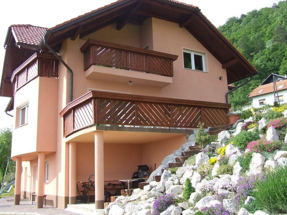 Lesene balkonske ograje, leseni nadstreški, otroška igrala, vrtne ute Hajd Karel s.p., Štajerska  gallery photo no.11