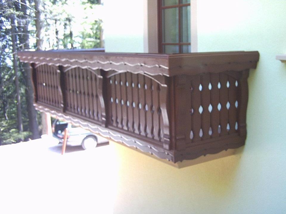 Lesene balkonske ograje, leseni nadstreški, otroška igrala, vrtne ute Hajd Karel s.p., Štajerska  gallery photo no.3