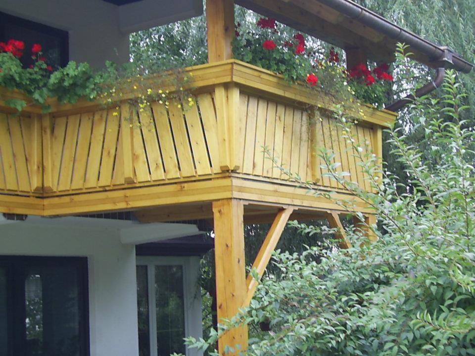Lesene balkonske ograje, leseni nadstreški, otroška igrala, vrtne ute Hajd Karel s.p., Štajerska  gallery photo no.7