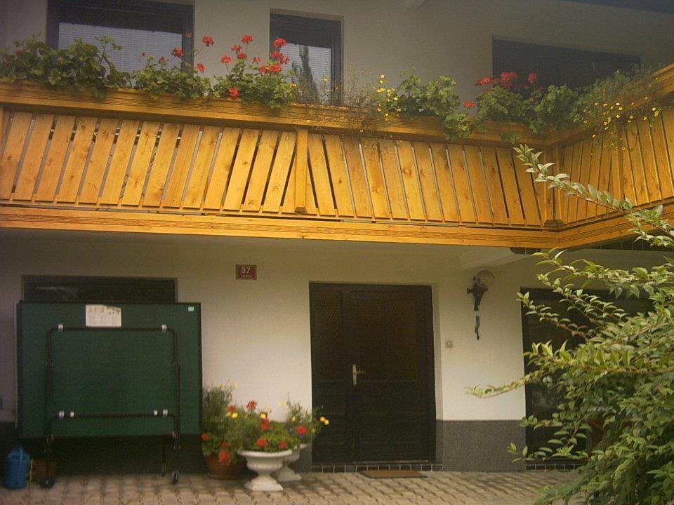Lesene balkonske ograje, leseni nadstreški, otroška igrala, vrtne ute Hajd Karel s.p., Štajerska  gallery photo no.9