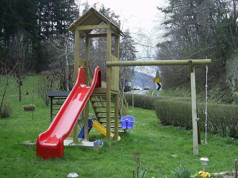 Lesene balkonske ograje, leseni nadstreški, otroška igrala, vrtne ute Hajd Karel s.p., Štajerska  gallery photo no.32