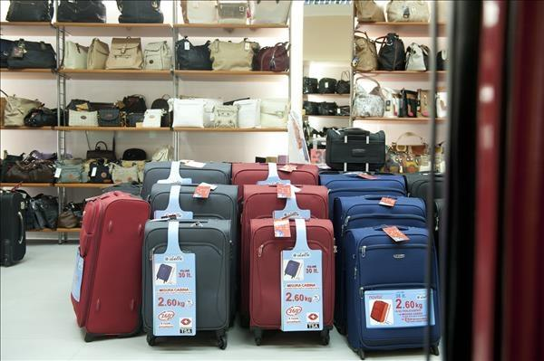Torbice usnjene, torbice iz umetnih materialov, jakne usnjene - Trgovina Leder, Ljubljana gallery photo no.52