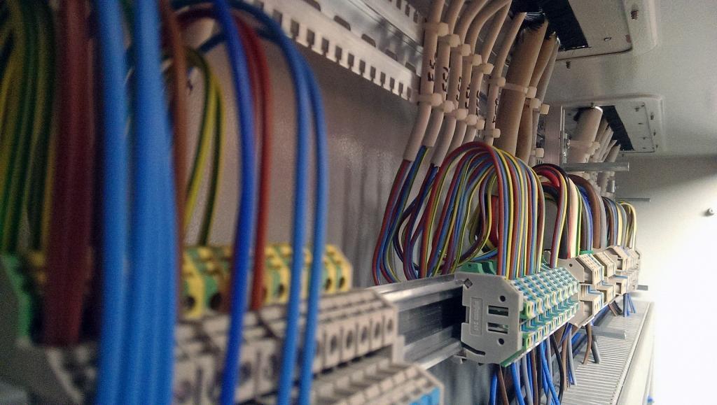 Montaža industrijskih elektro instalacij, vezava elektro omar gallery photo no.1