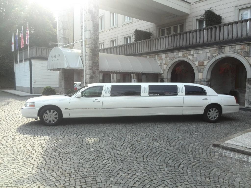 Najem limuzine, najem poročnega avtomobila, najem ameriške limuzine gallery photo no.14