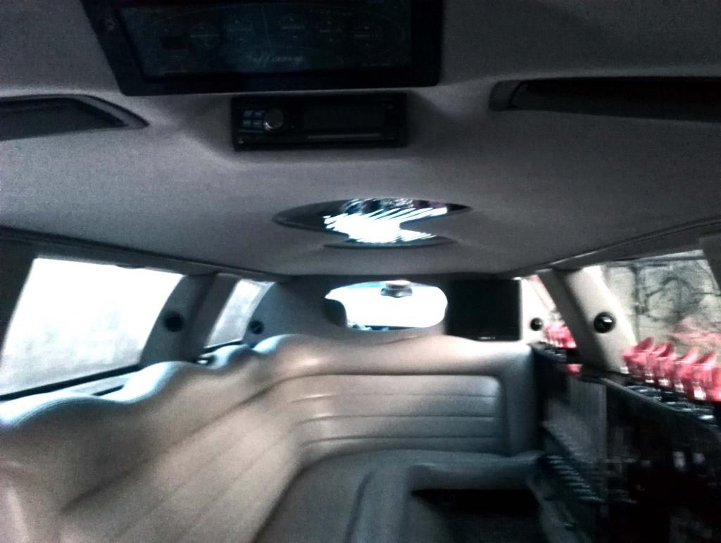 Najem limuzine, najem poročnega avtomobila, najem ameriške limuzine gallery photo no.21