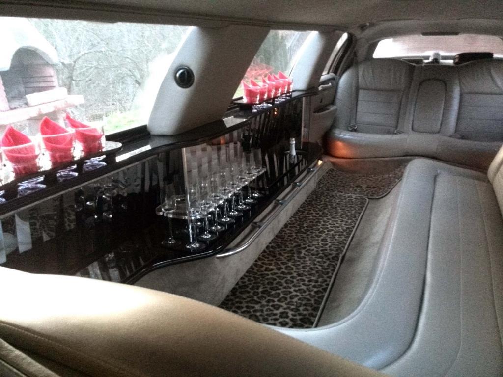 Najem limuzine, najem poročnega avtomobila, najem ameriške limuzine gallery photo no.23