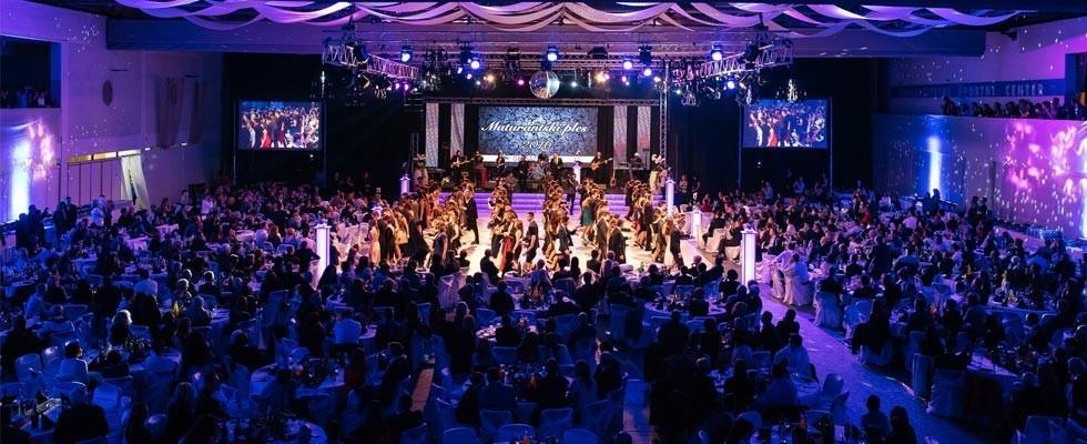 Najem ozvočenja, postavitev ozvočenja, razsvetljava odra, led zasloni Bumerang d.o.o. gallery photo no.3