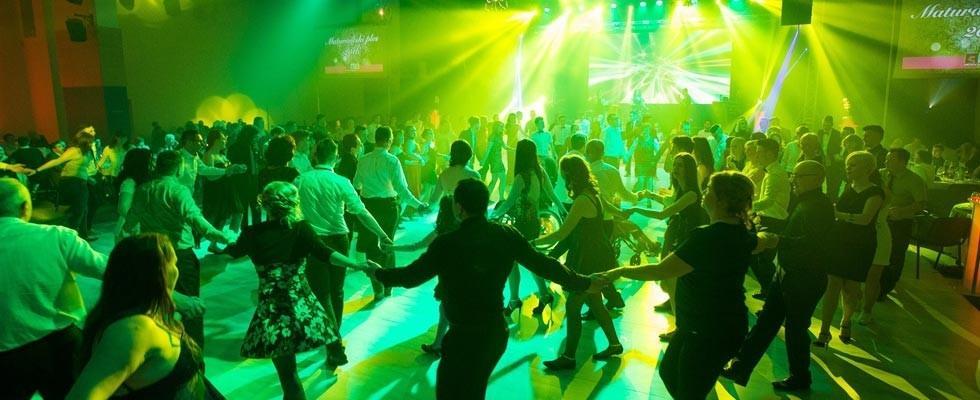 Najem ozvočenja, postavitev ozvočenja, razsvetljava odra, led zasloni Bumerang d.o.o. gallery photo no.12