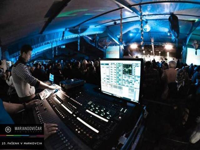 Najem ozvočenja, postavitev ozvočenja, razsvetljava odra, led zasloni Bumerang d.o.o. gallery photo no.25