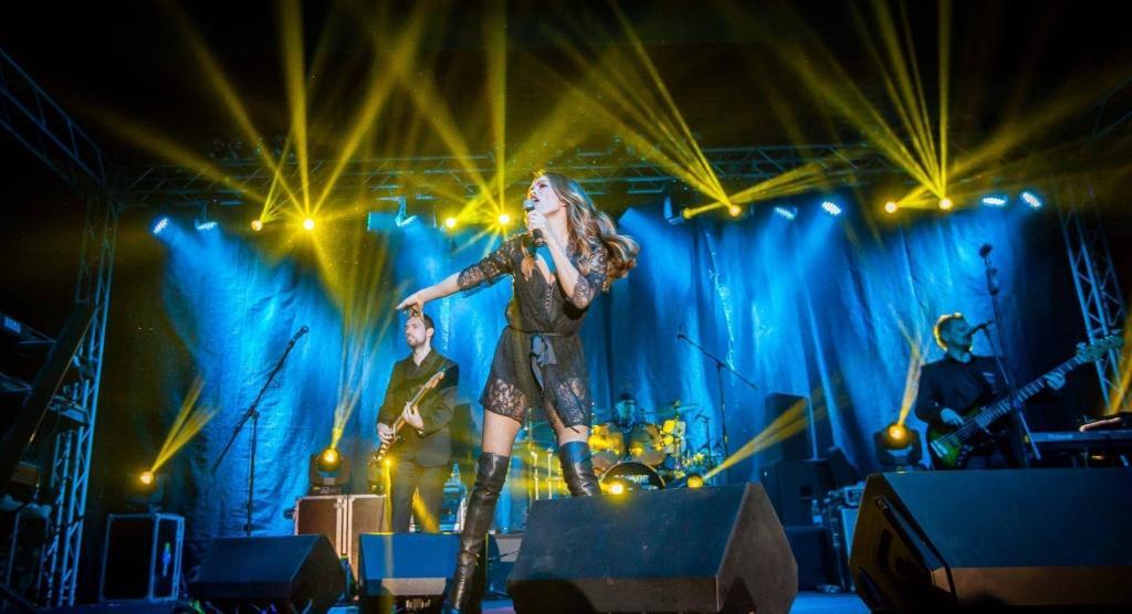 Najem ozvočenja, postavitev ozvočenja, razsvetljava odra, led zasloni Bumerang d.o.o. gallery photo no.35
