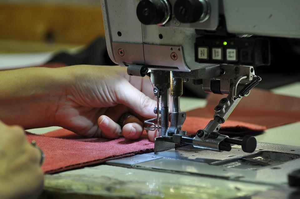 Odkup, prodaja šivalne opreme, profesionalna šivalna oprema gallery photo no.39