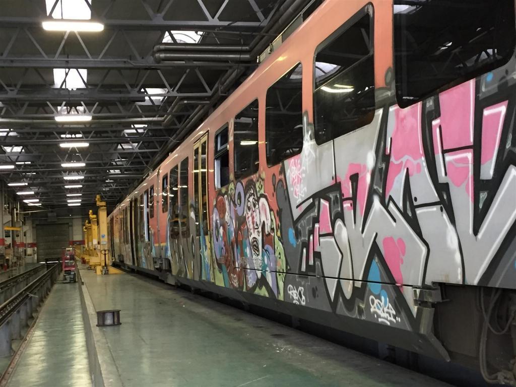 Odstranjevanje grafitov SISAPI, čiščenje fasad, Ljubljana gallery photo no.9