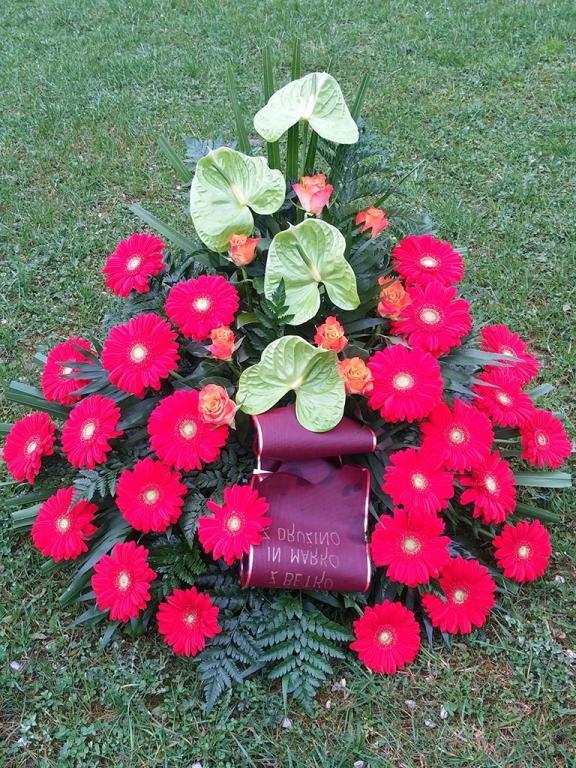 Pogrebna služba, organizacija pogreba, pogreb, urejanje grobov LAVANDA - Dobrova, Polhov Gradec, Horjul, Šentjošt gallery photo no.12