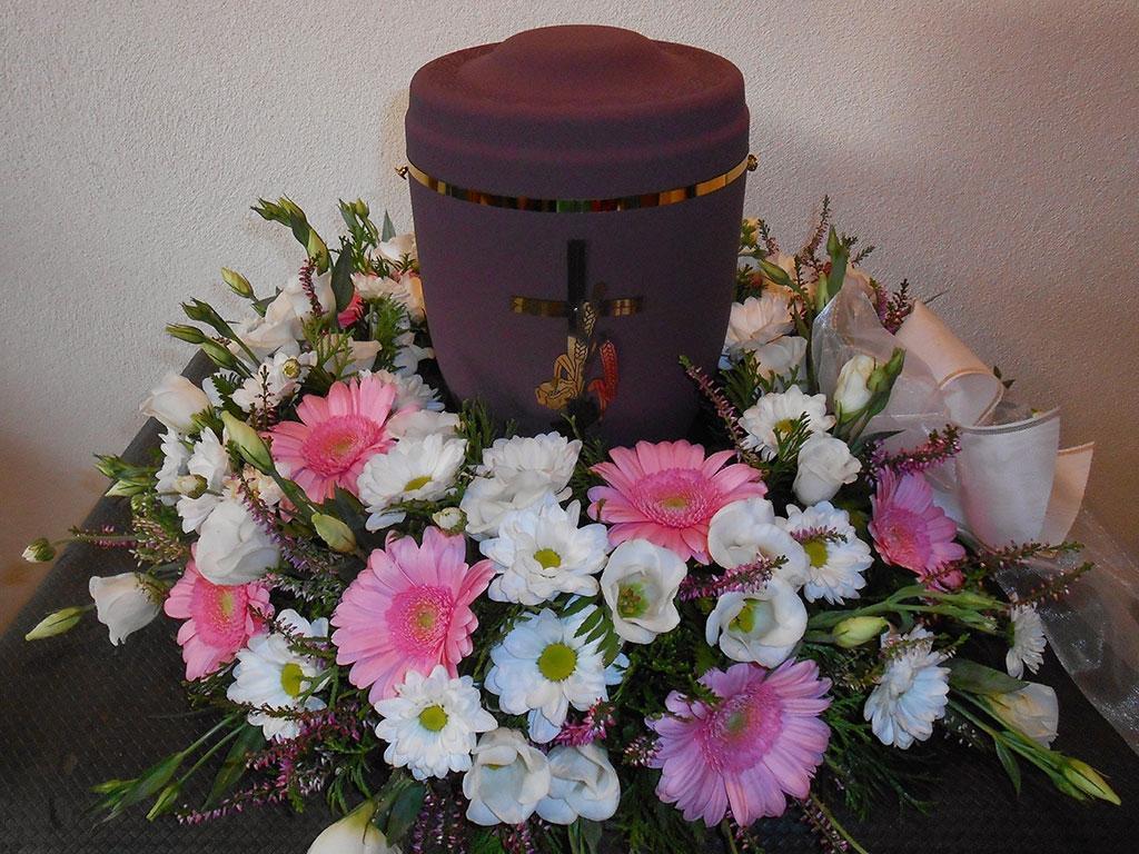Pogrebna služba, organizacija pogreba, pogreb, urejanje grobov LAVANDA - Dobrova, Polhov Gradec, Horjul, Šentjošt gallery photo no.14