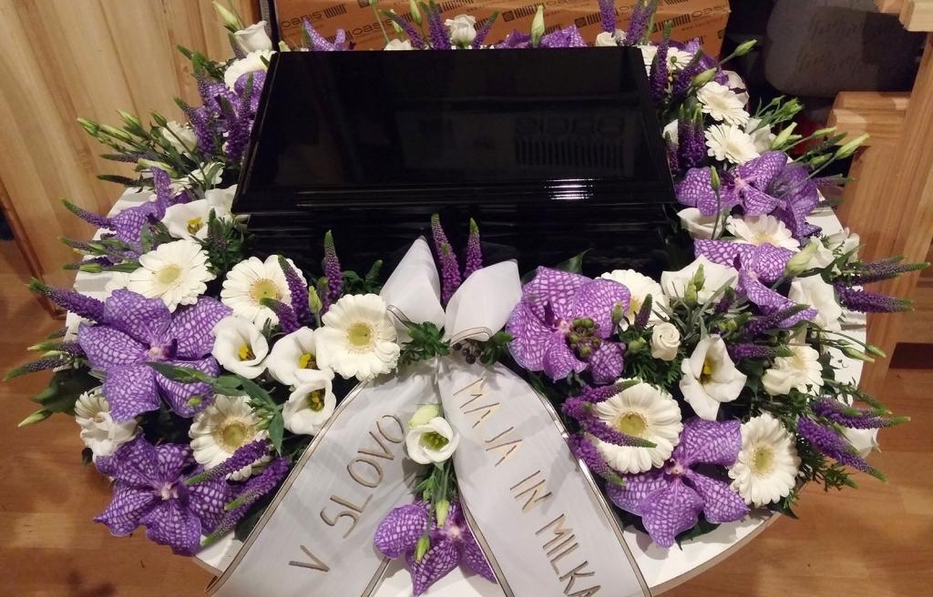 Pogrebna služba, organizacija pogreba, pogreb, urejanje grobov LAVANDA - Dobrova, Polhov Gradec, Horjul, Šentjošt gallery photo no.16