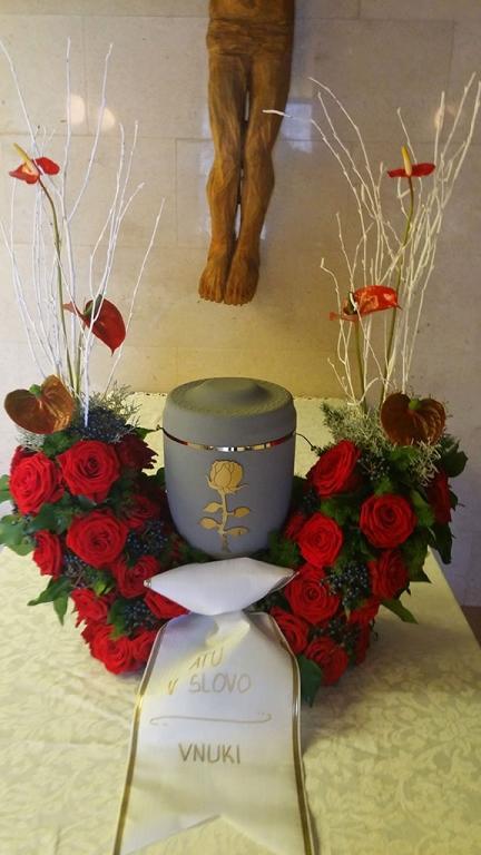 Pogrebna služba, organizacija pogreba, pogreb, urejanje grobov LAVANDA - Dobrova, Polhov Gradec, Horjul, Šentjošt gallery photo no.18