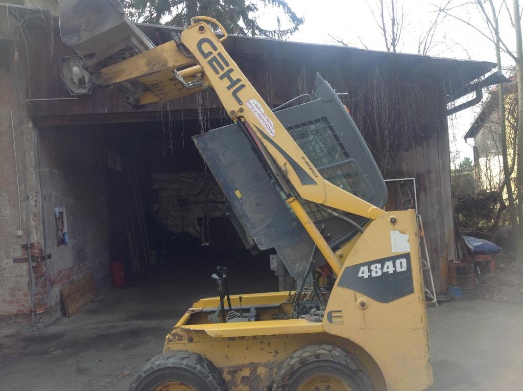 servis gradbene mehanizacije, servis strojev, popravilo beton pumpe, popravilo mikser pump, Robert Mali gallery photo no.2