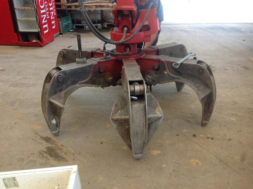 servis gradbene mehanizacije, servis strojev, popravilo beton pumpe, popravilo mikser pump, Robert Mali gallery photo no.16