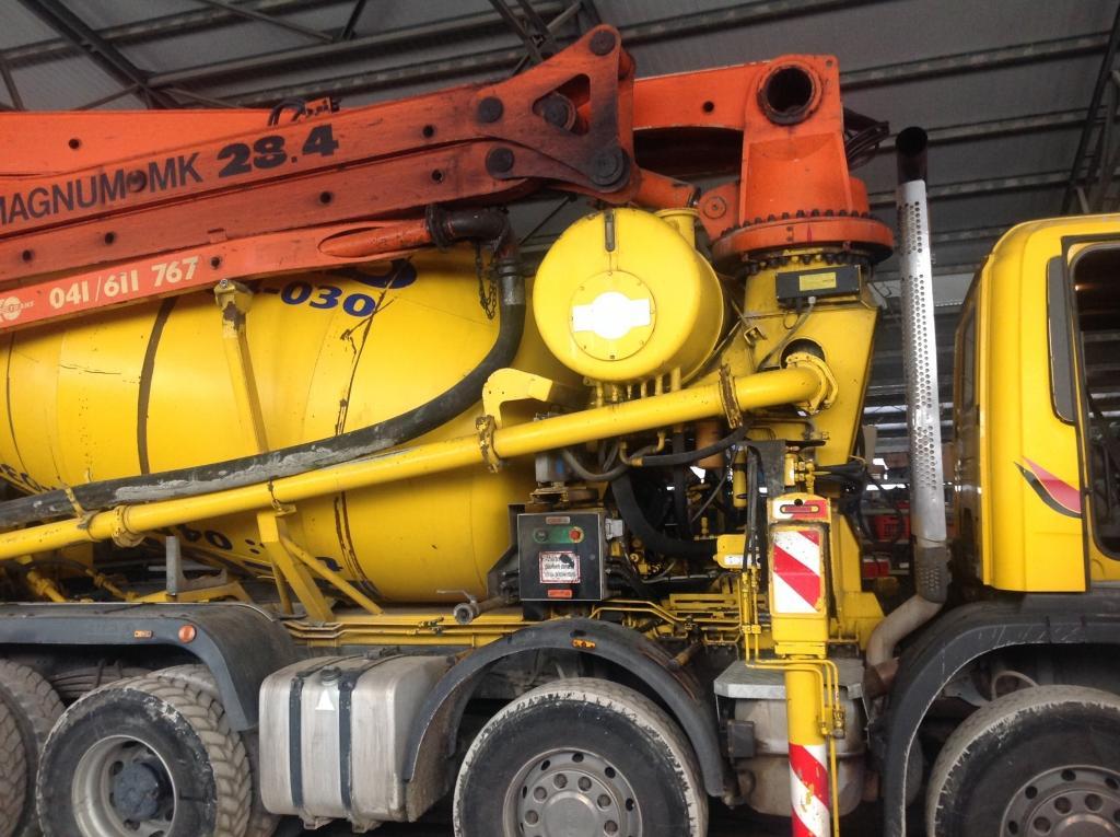 servis gradbene mehanizacije, servis strojev, popravilo beton pumpe, popravilo mikser pump, Robert Mali gallery photo no.17