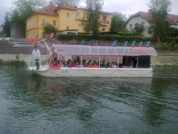 Plovba po Ljubljanici - rečna ladja ŽABA gallery photo no.2