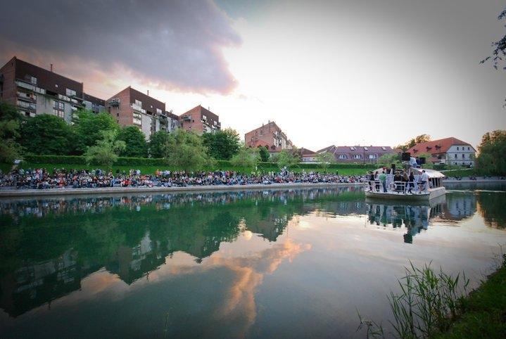 Plovba po Ljubljanici - rečna ladja ŽABA gallery photo no.3
