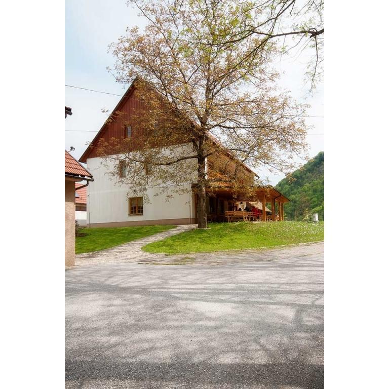Prenočišča, rooms, poroka na prostem MADRONIČ Stari trg ob Kolpi gallery photo no.1