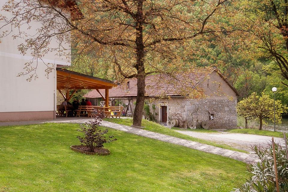Prenočišča, rooms, poroka na prostem MADRONIČ Stari trg ob Kolpi gallery photo no.5