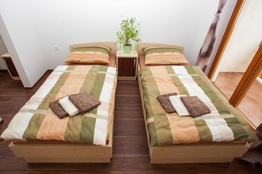 Prenočišča, rooms, poroka na prostem MADRONIČ Stari trg ob Kolpi gallery photo no.9