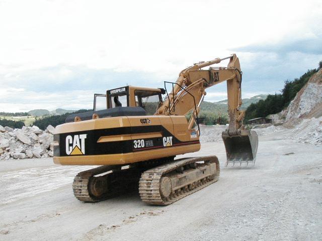 Prevoz gradbenega materiala, storitve z gradbeno mehanizacijo gallery photo no.1