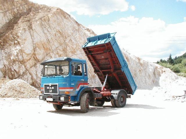 Prevoz gradbenega materiala, storitve z gradbeno mehanizacijo gallery photo no.6