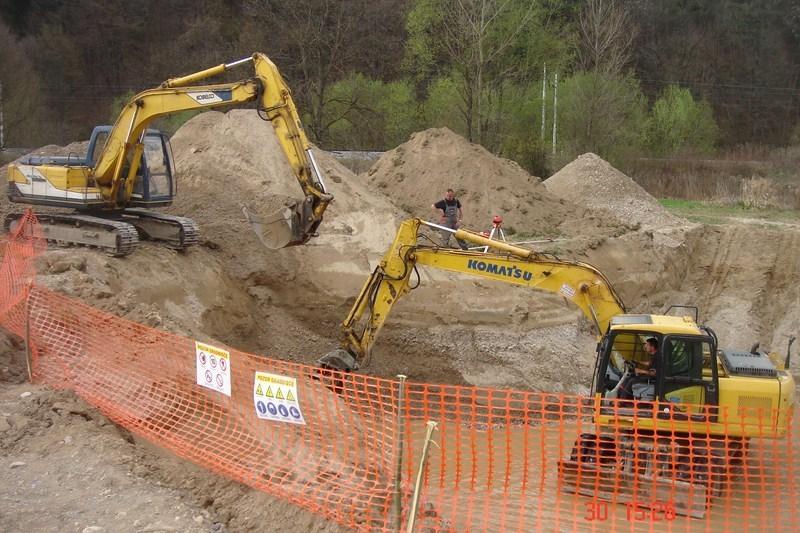 Prevozi, izkopi, rušitvena dela, asfaltiranje dvorišč, Ljubljana gallery photo no.1