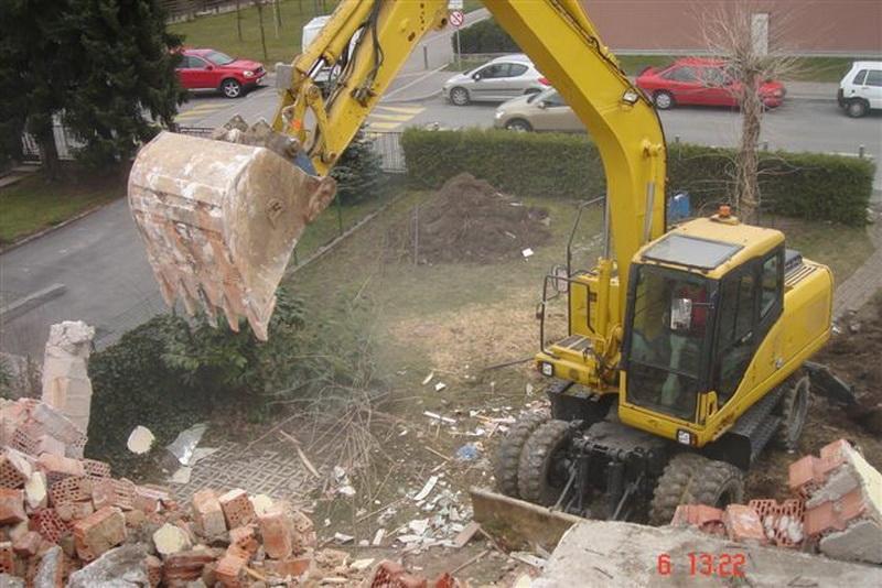 Prevozi, izkopi, rušitvena dela, asfaltiranje dvorišč, Ljubljana gallery photo no.3