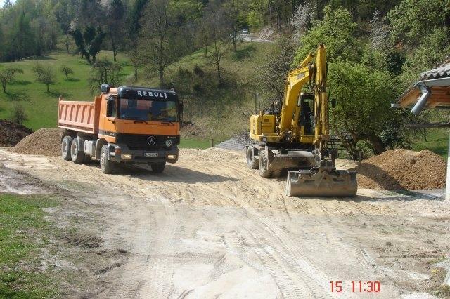 Prevozi, izkopi, rušitvena dela, asfaltiranje dvorišč, Ljubljana gallery photo no.11