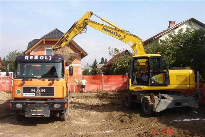 Prevozi, izkopi, rušitvena dela, asfaltiranje dvorišč, Ljubljana gallery photo no.12