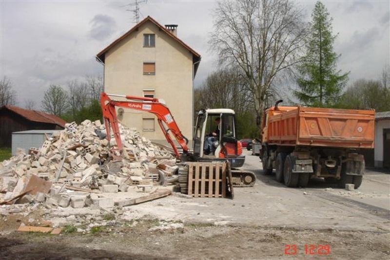 Prevozi, izkopi, rušitvena dela, asfaltiranje dvorišč, Ljubljana gallery photo no.4