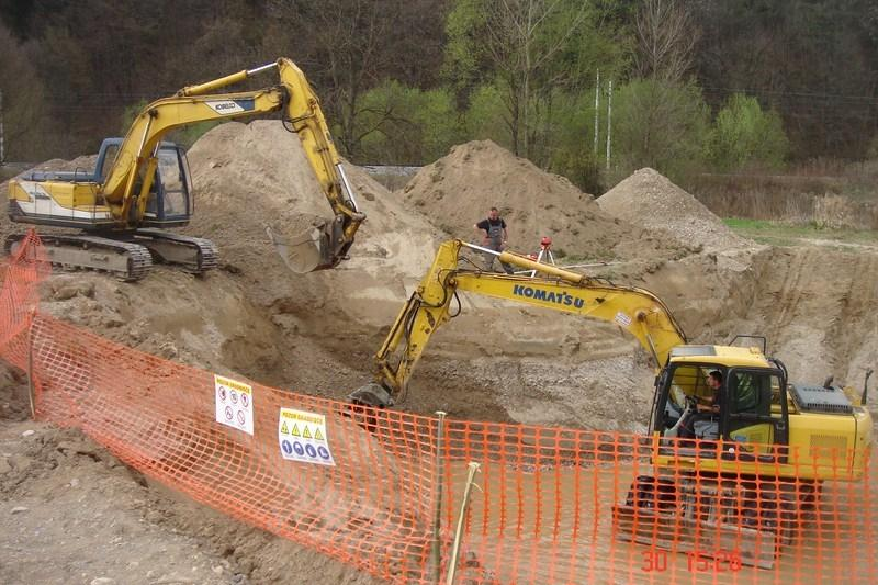 Prevozi, izkopi, rušitvena dela, asfaltiranje dvorišč, Ljubljana gallery photo no.20