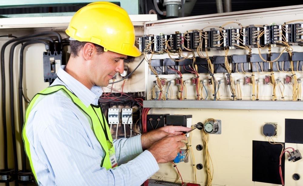 Projektiranje elektroinštalacij Celje, servis, montaža dvigal Celje gallery photo no.1