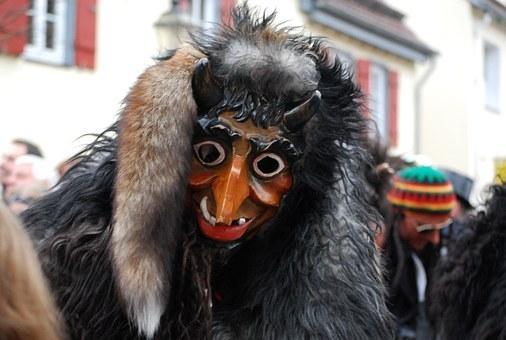 Pustne maske, pustni kostumi, novoletni okraski gallery photo no.26