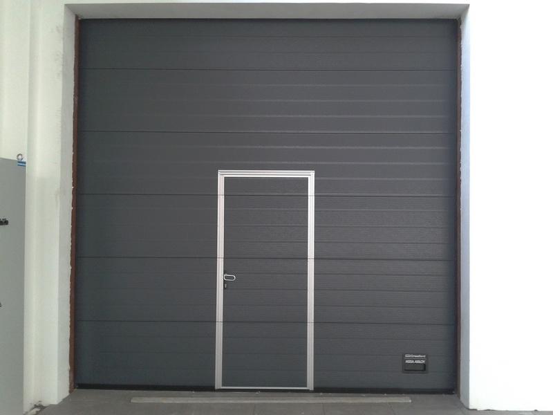 Prodaja, montaža in servis garažnih in rolo vrat gallery photo no.9